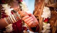 """Pakistanda Hindulara """"resmi evlilik"""" izni"""