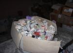 Apartman deposunda tarihi geçmiş ilaçlar bulundu