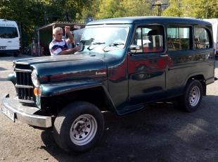 1949 model Amerikan Willys yeniden yollarda