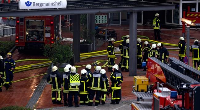 Almanyada hastane yangını: 2 ölü