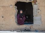 Suriyeli ailenin eski trafodaki yaşam mücadelesi