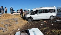 Şanlıurfada öğrenci servisi devrildi: 1 ölü, 19 yaralı