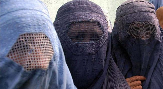 Hollandada burka yasağı yürürlükte