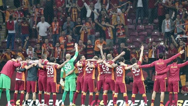Galatasaray Arenada 100. lig maçına çıkıyor
