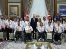 Cumhurbaşkanı Erdoğan Rio'da madalya alan sporcuları kabul etti