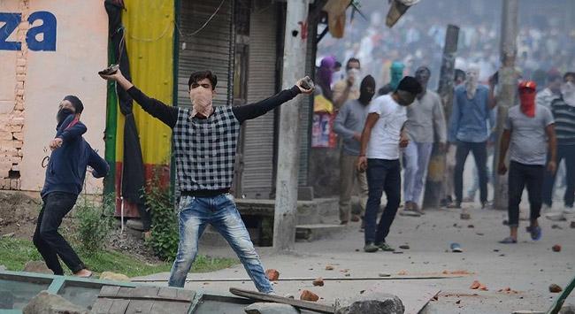 Pakistan ve Hindistanın Keşmir gerilimi tırmanıyor