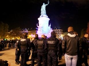 Fransada polisler yine izinsiz gösteri yaptı