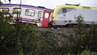 İki tren çarpıştı: 3 yaralı