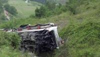 Hindistanda otobüs uçuruma yuvarlandı: 22 ölü