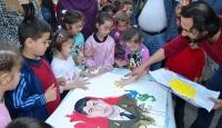 İlkokul öğrencilerinden Halisdemirin ailesine anlamlı hediye