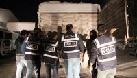 Kepek çuvallarının arasında 156 bin paket kaçak sigara bulundu