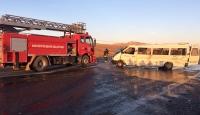 Minibüs devrildi: 1 ölü, 6 yaralı