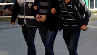 İzmirde FETÖ/PDY operasyonu: 7 tutuklama