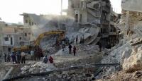 Suriyede rejim uçaklarının saldırısında 5 kişi öldü