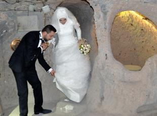 Yerin 120 metre altında nikah