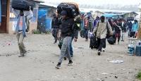 Jungle sığınmacı kampından bu sabah bin 56 kişi tahliye edildi