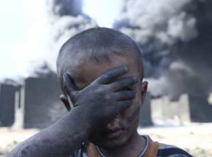 Musul'da petrol yangınları