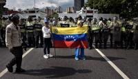 Venezuelada Maduroya karşı geniş katılımlı gösteriler