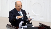 CHP'li Vekil 'Kanun Teklif Metni'ni Yırttı