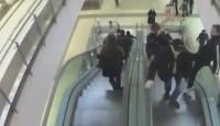 Yürüyen Merdiven Şovu Kötü Bitti!