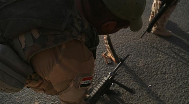 Irak ordusu DEAŞlı teröristlerin mağarasını vurdu