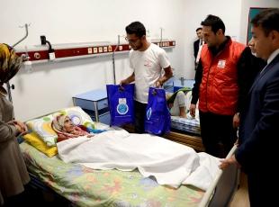 DEAŞ mağduru Almiraya Türk Kızılayından destek