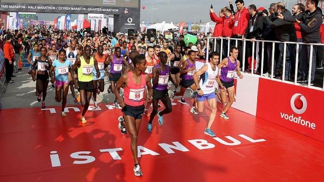 İstanbul Maratonu 15 Temmuz şehitleri için koşulacak
