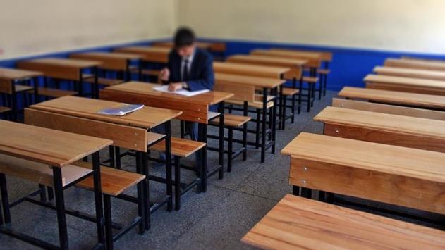 """10 öğrencili okulun hem öğretmeni hem müdürü hem de """"hizmetlisi"""""""
