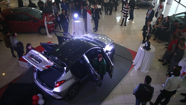 Türkiyenin ilk hibrit aracı Bursa OtoShowda tanıtıldı