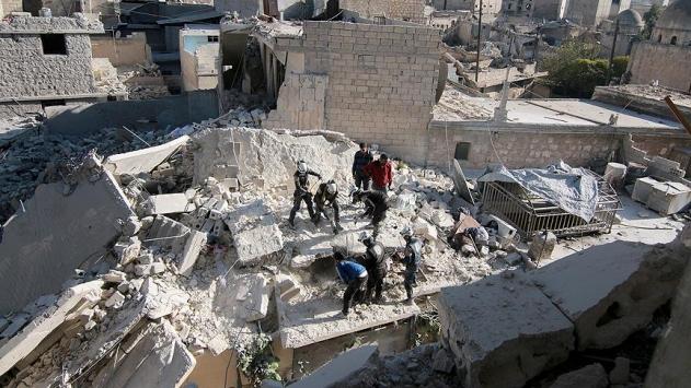 Halepe yönelik yoğun bombardıman devam ediyor