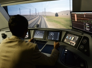 """120 yıldır """"demir ağların sürücüleri""""ni yetiştiriyorlar"""
