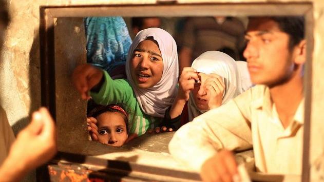 Bombalardan kurtulan Haleplileri açlık bekliyor