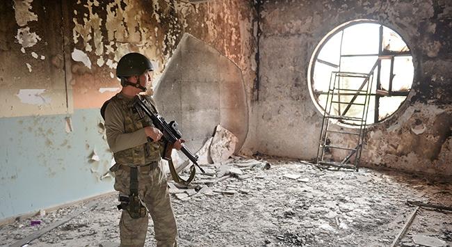 Teröristler camileri karargah gibi kullanmış
