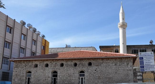 Tarihi mihrap, restorasyonda açığa çıkarıldı
