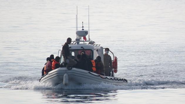 Botları alabora olan göçmenler kurtarıldı