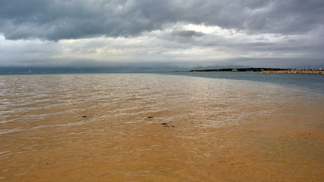 Edremit Körfezinde denizin rengi değişti