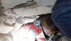 10 aylık Hasan bebek enkaz altından kurtarıldı