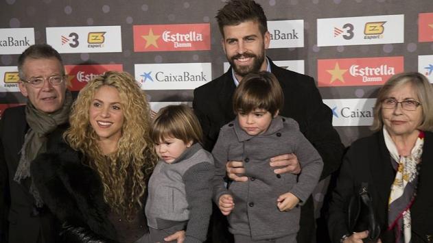 Pique ve Guardiolaya Katalonyadan ödül