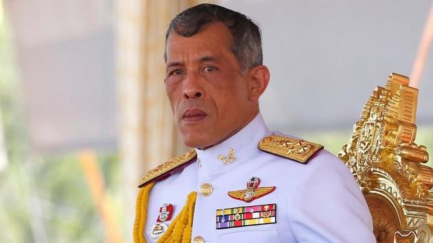 Taylandda yeni kral göreve başladı