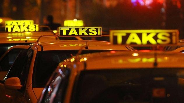 Taksiciler Uber uygulamasından şikayetçi