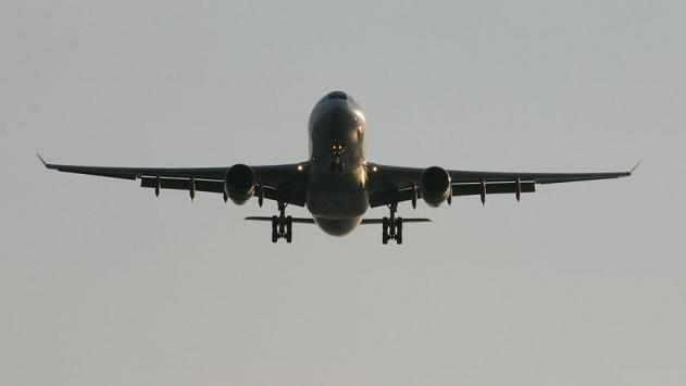 Avustralyada yolcu uçağı türbülansa girdi