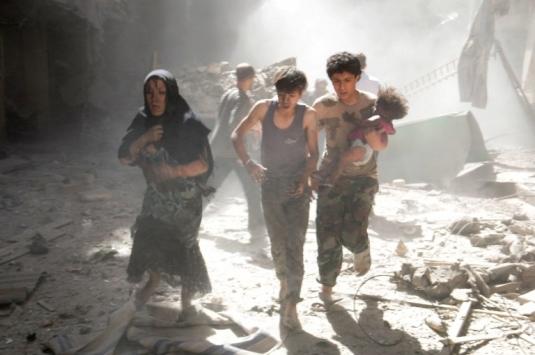 Bombardımandan kaçan sivilleri vurdular