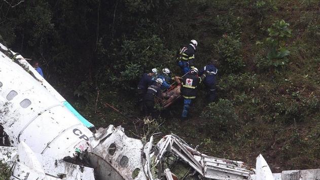 Kolombiyada düşen uçak Arjantinli futbolcuları da taşımış