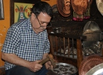 Mardinin etnik kültürünü bakıra yansıtıyor
