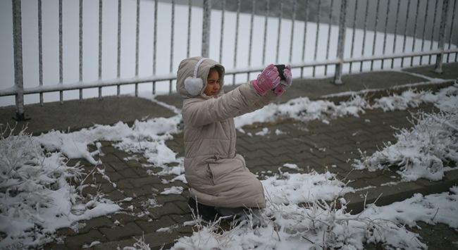 İzmire mevsimin ilk karı düştü