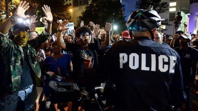 ABDde siyahi vatandaşı öldüren polis yargılanmayacak