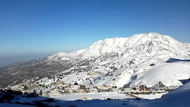 Antalyaya ilk kar düştü