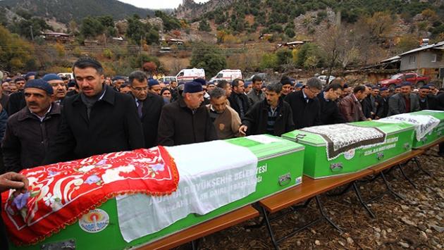 Adanada yangın faciasında ölenler son yolculuğuna uğurlandı