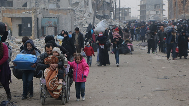 Halepte 400 bin kişi yerinden edildi