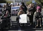 """Yunanistanda engellilerden """"kemer sıkma"""" protestosu"""
